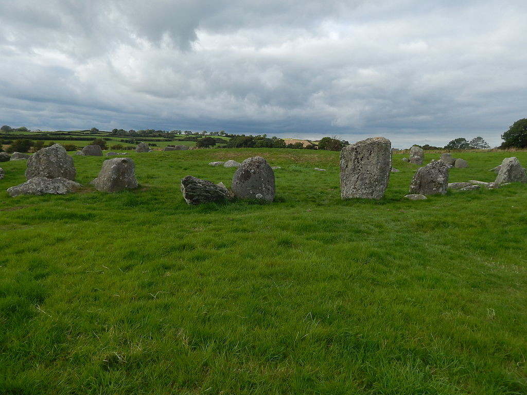 """4 Ballynoe Stone Circle 1"" by Irishdeltaforceis licensed under CC BY-SA 3.0."