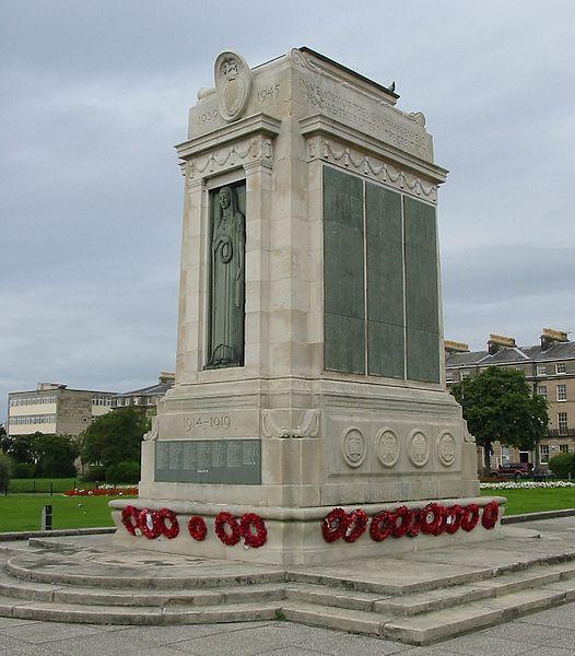 526px-War_memorial_Birkenhead